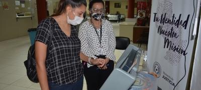 Más de 1.300 ciudadanos practicaron con las Máquinas de Votación en un mes