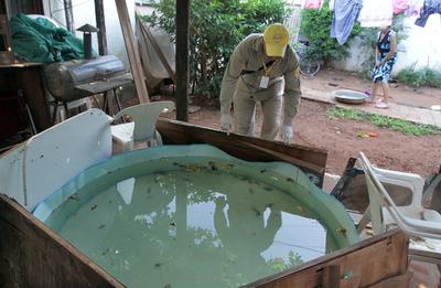 Notificaciones por casos de dengue en progresivo aumento, advierte Salud
