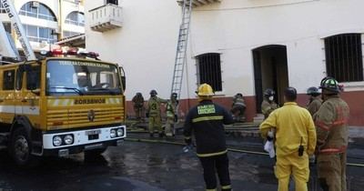 La Nación / Controlan principio de incendio en la Catedral Metropolitana