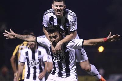 Media docena de goles se llevó Guaraní ante Libertad