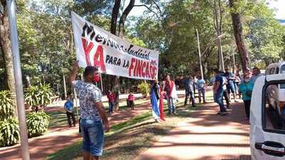 Pobladores de finca 66 impacientes y Prieto afirma que mensura depende de la Junta