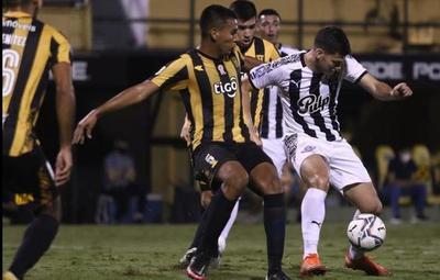 Apertura: Libertad golea a Guaraní y acaricia el campeonato