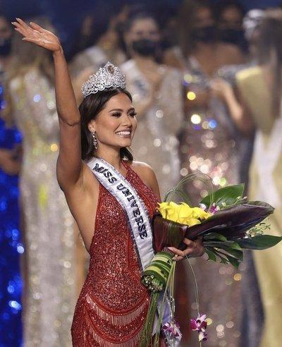 Andrea Meza se corona como Miss Universo 2021 y deja en alto a México