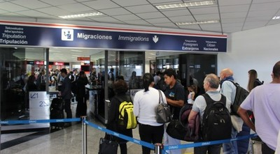 Desde abril, más de 6 mil paraguayos viajaron a Estados Unidos