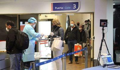 Más de 6.000 paraguayos y residentes extranjeros ya salieron del país con destino a EE.UU.