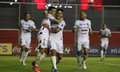 Nacional remonta a Olimpia e impide que Libertad grite campeón