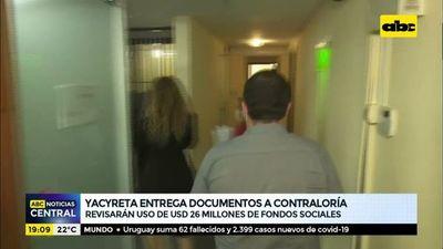 Yacyreta entrega documentos a contraloría