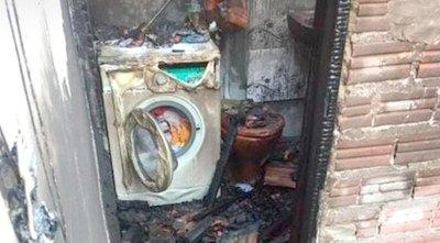 Crónica / Le quemaron su casa y sospecha de su expareja