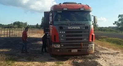 Delincuentes roban carga de soja en Caazapá