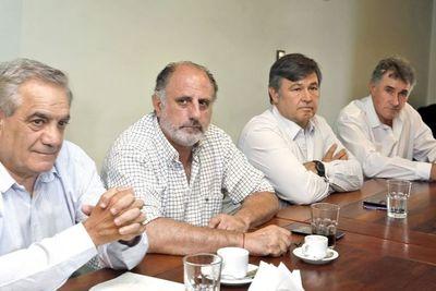 Argentina: el campo anunció un paro de 7 días por el cierre de la exportación de carne