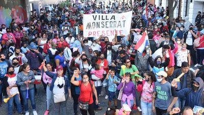 Organizaciones de sintechos se movilizan en Asunción