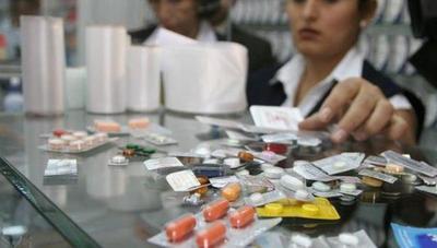 DINAVISA afina con proyectistas propuesta de fijación de precios de medicamentos contra COVID