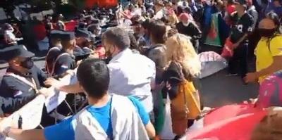 Manifestación frente al MUVH por baja ejecución presupuestaria