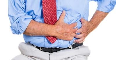 Cáncer de colon: bajan de 50 a 45 años la edad recomendada para realizarse los estudios preventivos