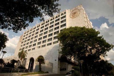 Juez remite a la Corte Suprema acción de Contraloría para auditar fondos sociales de Itaipú