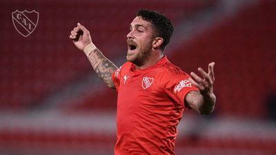 Independiente vence a Bahía y pone un pie en los octavos