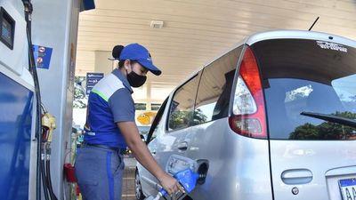 Emblemas generalizan subas, pero Petropar mantiene precios, todavía