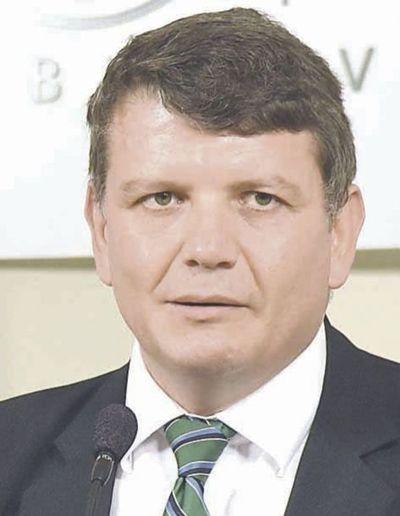 Exviceministro investigado  ahora administra el MEC