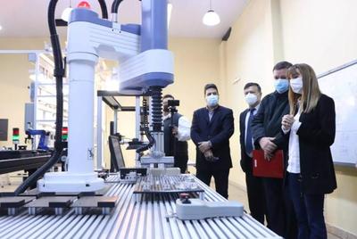 Los ministerios de Trabajo y de Educación acuerdan formar técnicos y reactivar el empleo