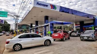 Petropar señala mayores costos y la próxima semana definirá si sube precio de combustibles
