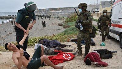 España desplegó militares en frontera con Marruecos y se agrava crisis migratoria