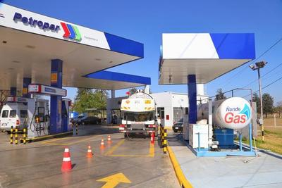 Petropar anuncia que no aumentará el costo de sus combustibles, por ahora