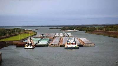 Paraguay : Agroexportadores piden fecha para liberar barcazas con soja