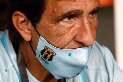 Gustavo Costas no seguirá en Guaraní