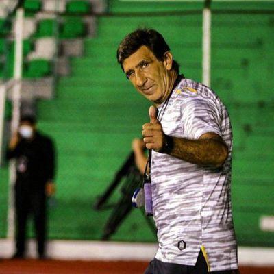 Gustavo Costas deja la dirección técnica de Guaraní