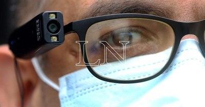 La Nación / Personas con discapacidad visual accederán a dispositivos Orcam: Senadis seleccionará 6 beneficiarios