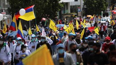 Miles de colombianos exigen el fin de la represión en otra masiva convocatoria del Paro Nacional