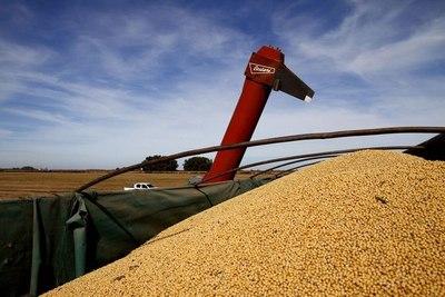 Exportaciones de agronegocios de Brasil crecen batiendo récord en abril