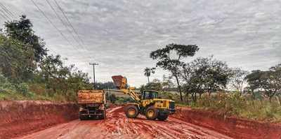 """La """"Ruta de la Producción"""" avanza con construcción de la base estructural del pavimento"""