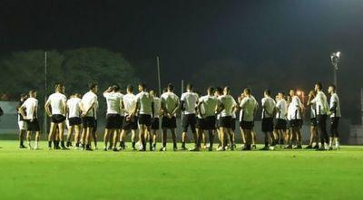 Orteman cita a 23 jugadores para el difícil partido con Inter de Brasil
