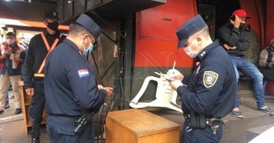 La Nación / Perpetran violento asalto a cambistas en el centro de Ciudad del Este