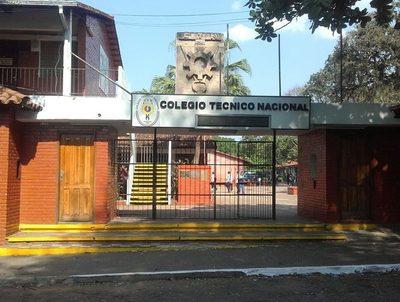 MEC busca alternativas al pedido de estudiantes del CTN · Radio Monumental 1080 AM