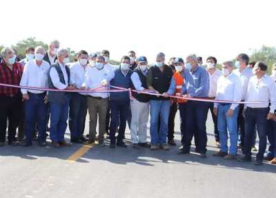 Inauguran 13,6 kilómetros nuevos de la ruta Bioceánica