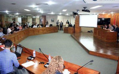 Junta de Asunción crea comisión especial para controlar compras de vacunas