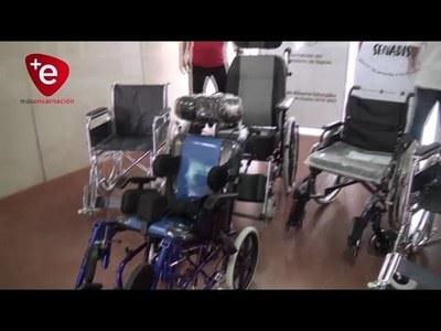 ENTREGAN SILLAS DE RUEDAS A PERSONAS DE ESCASOS RECURSOS DE ITAPÚA