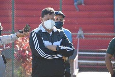 """Crónica / HUGO MARCELO OVELAR: """"Tenemos plantel para estar entre los cuatro"""""""
