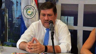 Llano embreta a Nicanor por repartir cargos en EBY