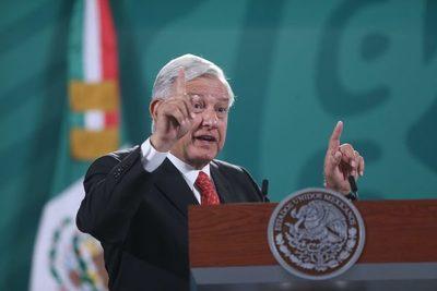 López Obrador se reúne con ministros del Supremo para defender sus reformas