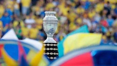 Argentina, sede de la Copa América, suspende el fútbol local por ola de COVID-19