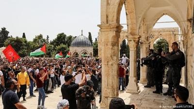 Nuevos enfrentamientos entre palestinos y la Policía israelí en Explanada de las Mezquitas
