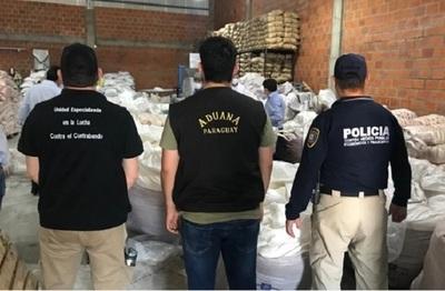 Dulce incautación: agentes de Policía y Aduanas requisan 46 toneladas de azúcar, presunto contrabando