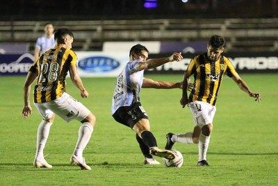 Guaireña y Guaraní sellan un aburrido empate en Villarrica