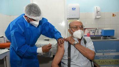Vacunatorios no se habilitarán este domingo por escasas dosis