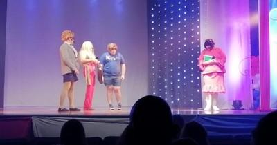 La Nación / Fin de semana de teatro: últimas dos funciones de 'Santa Risa, Santo Remedio'