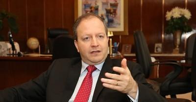 La Nación / Economista sugiere normalizar los niveles de inversiones en obras y no superar los US$ 800 millones
