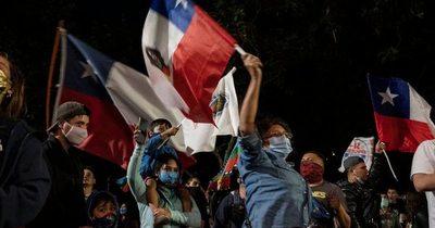 La Nación / En Chile, la política tiene cara de mujer